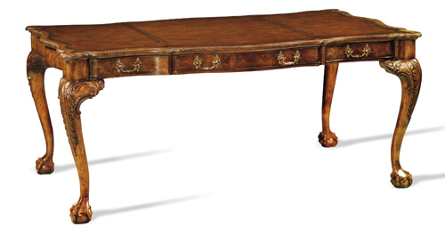 Writing Desk with curved legs